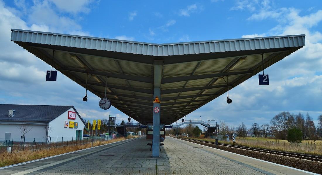platform-714949_1920