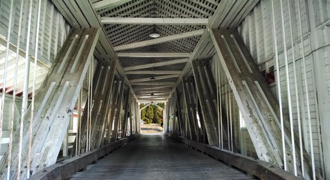 covered-bridge-505454